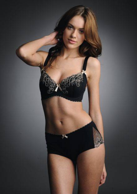 Isobel padded half cup_black.JPG