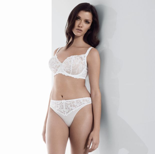 CHLOE-WHITE-UNDERWIRED-VERTICAL-SEAM-BRA-0311-THONG-0317-CONSUMER.jpg
